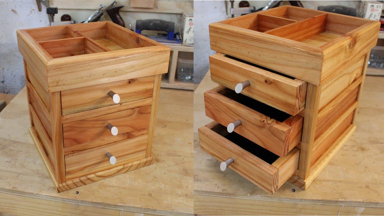 Como hacer un cosmetiquero de madera carpinter a youtube for Cosas con madera reciclada