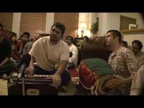 Amala Kirtan singing Bhaja Hure Mana