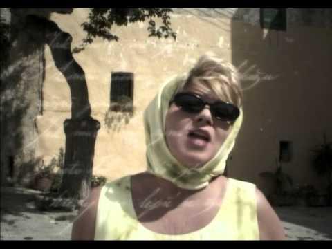 Vera Spinarova Malo me znas - YouTube