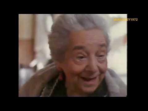 KLEENEX TV ADVERT 1990  italy grandma crying  very cute advert  HD 1080P