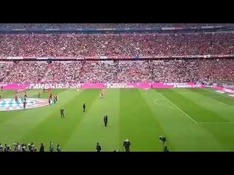 Bayern - Eintracht, Atmosfera Na Tribinama Allianz Arene Uoči Početka