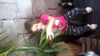 nena canta canci�n de Pi��n fijo