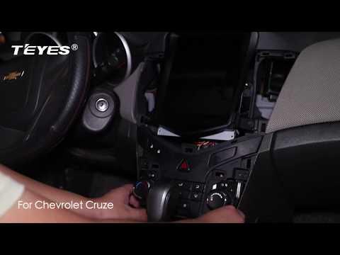 Видео по монтажу головного устройства в автомобиль  Chevrolet Cruze