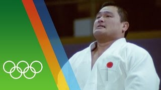 Overcoming a Torn Muscle to Win Olympic Gold | Epic Olympic Moments