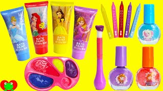 Disney Princess Bath Paints and Nail Polishes Surprises(Disney Princess Bath Paints and Nail Polishes Surprises with Toy Genie. In this video, we bath paint and color Disney Princesses. Then we wash off the ..., 2016-11-09T14:00:01.000Z)