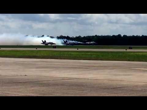NAS JRB New Orleans 2017 Blue Angels - Diamond Takeoff