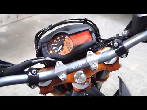 Wings Exhaust vs. Stock KTM 690 SMC R 2015