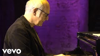 Ludovico Einaudi - Nuvole Bianche (Official Music Video)
