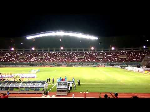 Merinding mendengar lagu Indonesia Raya berkumandang Timnas Piala AFF 2016 di Stadion Pakansari