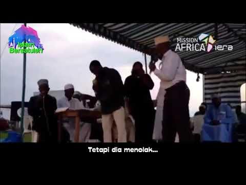 Gelombang Syahadat Dari Afrika, Ketika IERA Mengadu Pastur Dengan Bocah Santri 😀