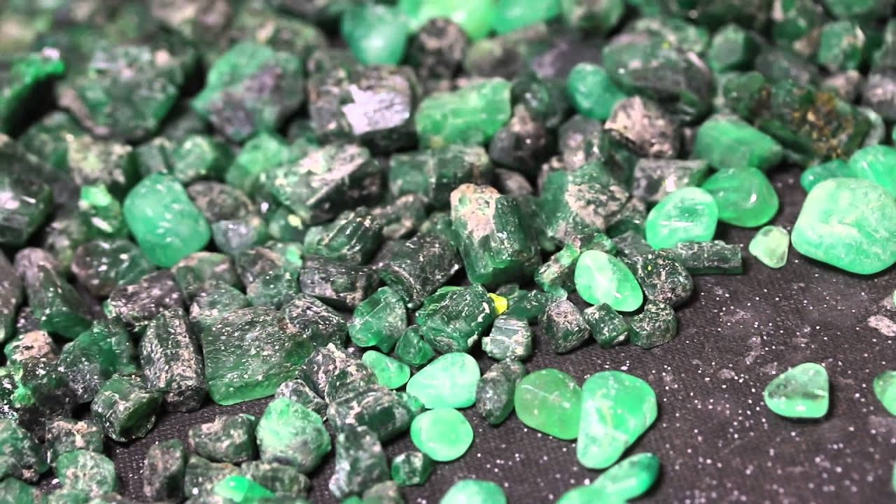 motion videoblocks video stock slow thumbnail precious stone emerald footage emeralds stones