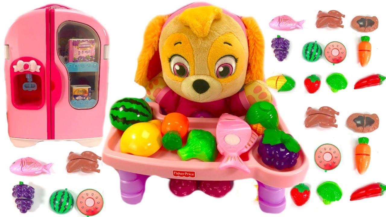 Fizzy Fun Toys: Paw Patrol Skye Eats Fruit & Vegetables Refrigerator