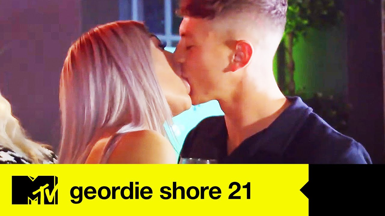EP#7 RECAP: Geordie Lads Party With Girls From A Strip Dancing Class | Geordie Shore 21