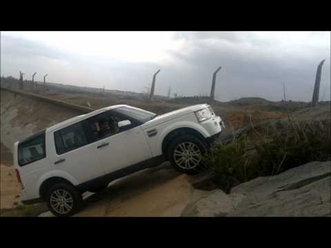 Landrover Discovery 4 Offroad India : 45 degree inclination