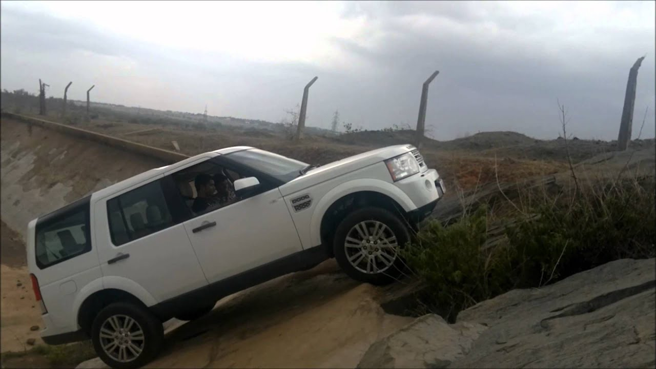 Landrover Discovery 4 froad India 45 degree inclination