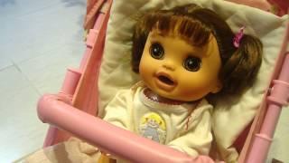 Cuidando da minha Baby Alive Comer e Brincar Bia - Rafaella Camargo
