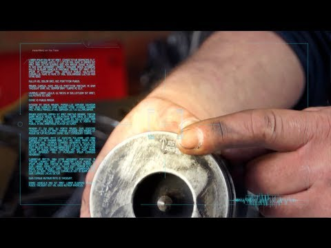 Land Rover 300tdi Engine Workshop tips and tricks - measuring bore wear with piston skirt