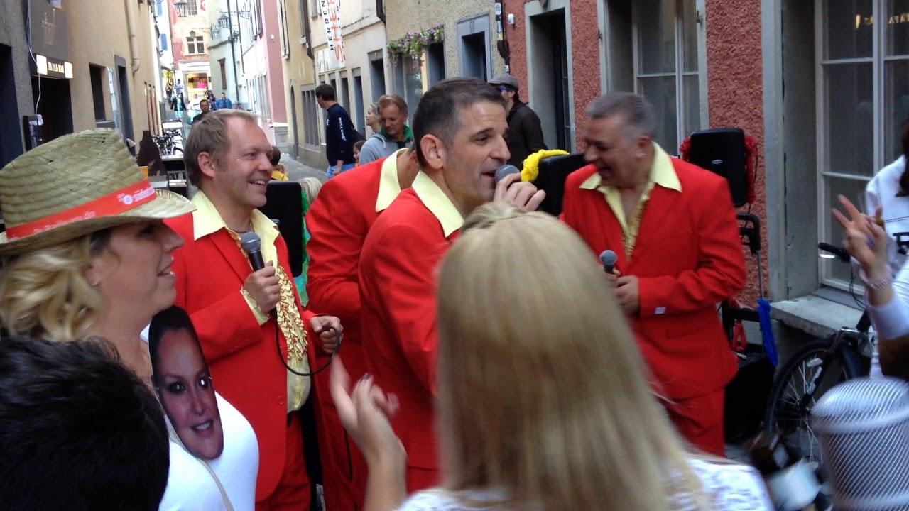 Die Pissnelken an der Schlagerparade 2015 in Chur