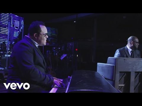 Israel Houghton - Sunday Kinda Love ft. Aaron Lindsey, PJ Morton, Nikki Ross