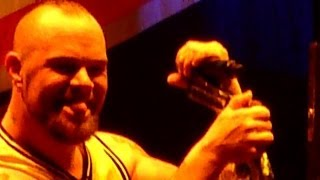 Five Finger Death Punch - Never Enough  (Live - Phones 4u Arena, Manchester, UK, Nov 2013)
