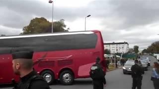 Stade du Roudourou : Arrivée du bus de l'équipe de France