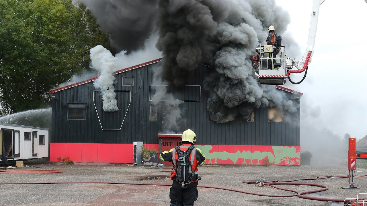 Harkstede - Grote brand verwoest voormalig discotheek Two ...
