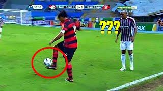 Không dám tin Ronaldinho đã thi triển tuyệt kĩ này trong bóng đá mấy ai xem được