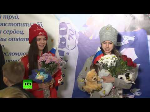 Алина Загитова и Евгения Медведева посетили каток «Хрустальный»