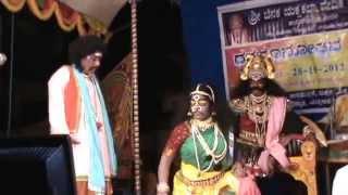 Yakshagana -- Lakshman kumar marakada as Anukoola nari - Hasya