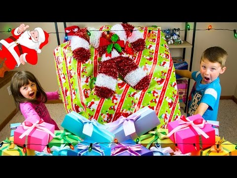 GIANT SURPRISE CHRISTMAS PRESENT Filled with Kid Toys! Kinder Playtime