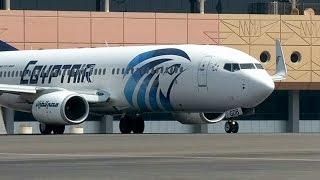 Самолет компании EgyptAir упал в Средиземное море (новости)(http://ntdtv.ru/ Самолет компании EgyptAir упал в Средиземное море. Лайнер Airbus A320, выполнявший рейс Париж–Каир, 19 мая..., 2016-05-19T08:48:27.000Z)