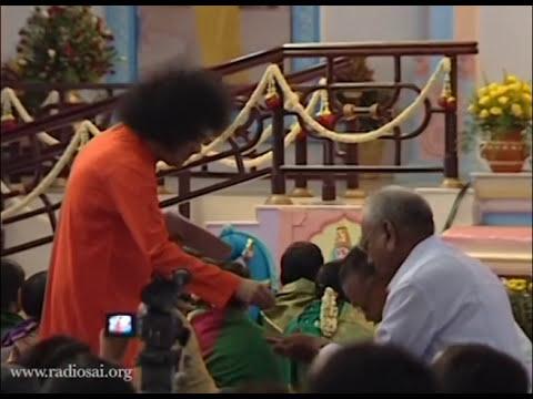 Thursday Divine Darshan of Sathya Sai Baba - Part 110