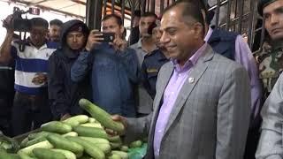 विषादी परीक्षण प्रकरणपछि काठमाडौंको कालिमाटी तरकारी तथा फलफूल केन्द्रमा कृषि मन्त्रीको अनुगमन !