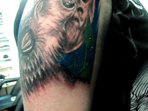 Tatuaje Lobo Aullando A La Luna La Expansion Tattoo Osorno Youtube