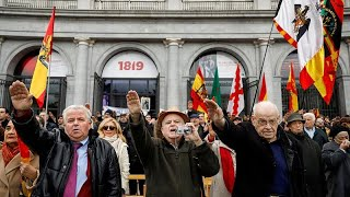 Download Video Activists disrupt pro-Franco rally in Madrid MP3 3GP MP4