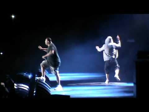 EMINEM LIVE SYDNEY 2011 SQUARE DANCE + MORE