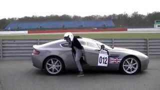 Wizyta na Silverstone (wyścigi Ferrari F3 i Astonem Martinem V8) Thumbnail