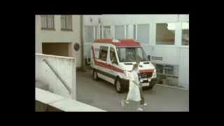 Commercial Ambulance (2007) - Even Apeldoorn bellen - Centraal Beheer