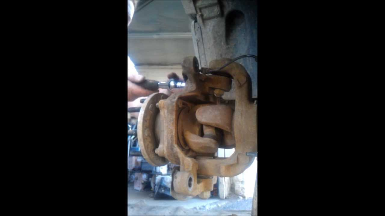 """2016 Dodge Ram 3500 >> Ball Joint Removal Dodge 3500 2011 4X4 6"""" Lift - YouTube"""
