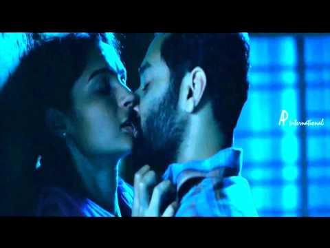 Andrea Jeremiah kissing Fahadh Faasil in annayum rasoolum HD 720P