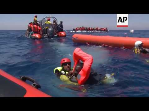 Migrants rescued off Libyan coast