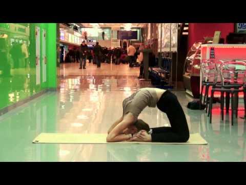 Флешмоб в Аэропорту ТОМСК. Утренняя йога