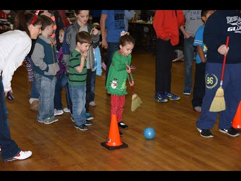 2015 Frankfort IN Moose Lodge #7 Kids Christmas Party Games, Santa, & Presents
