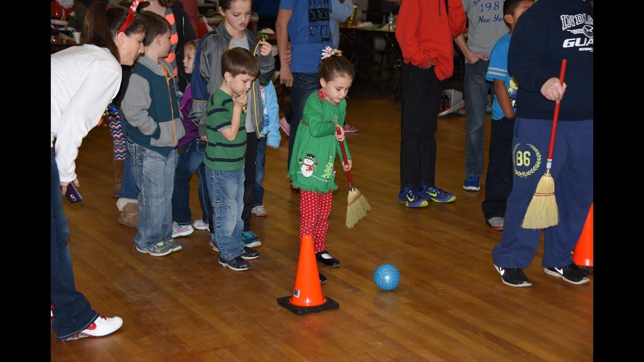 2015 Frankfort IN Moose Lodge #7 Kids Christmas Party Games, Santa ...