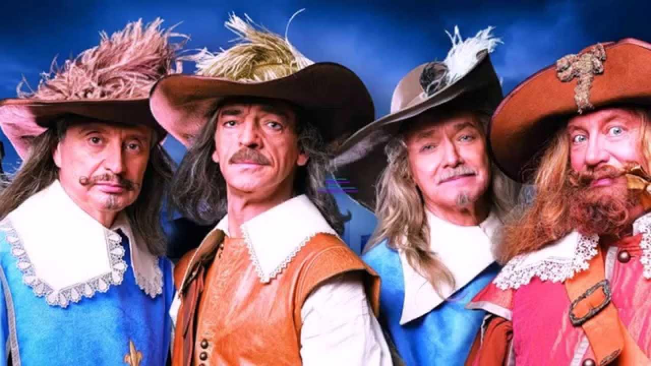 Будь то костюм пирата или ведьмочки, он не сможет быть законченным без карнавальных головных уборов. А элегантные карнавальные шляпки станут.
