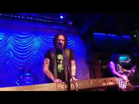 Todd Kerns & Dizzy Red With Hookers & Blow - Pretty Tied Up/Dust N' Bones/ It's So Easy (GN'R Cover)
