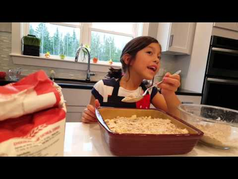 Gabby's pioneer woman - Preparing apple crisp surprise for Alex (3)