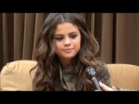 Selena Gomez Reveals That She Is Pregnant With Justin Bieber's Child