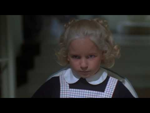Download Mommie Dearest (1981) Trailer