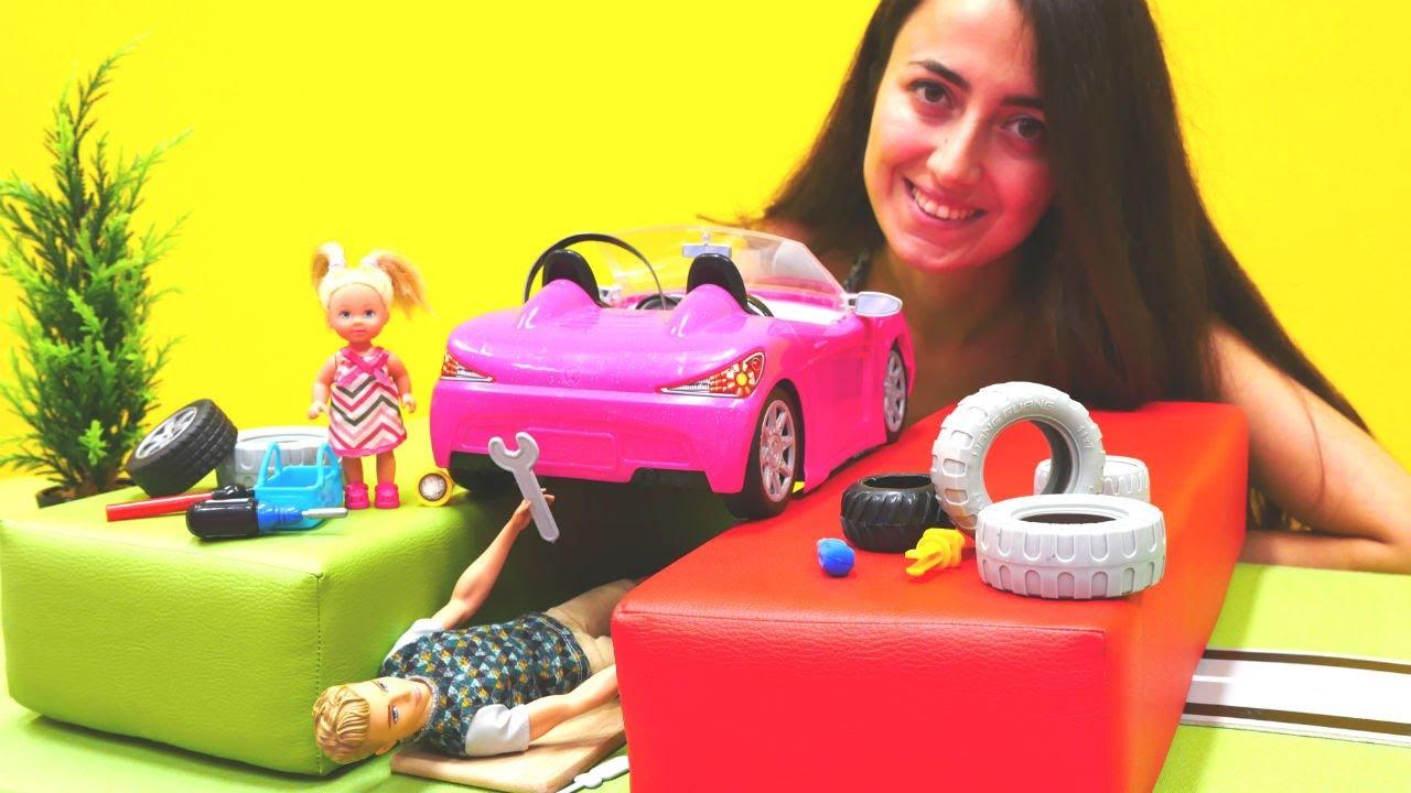 Barbie, Steffie ve Sevcan ile detektif oyunları. İpuçları arıyoruz